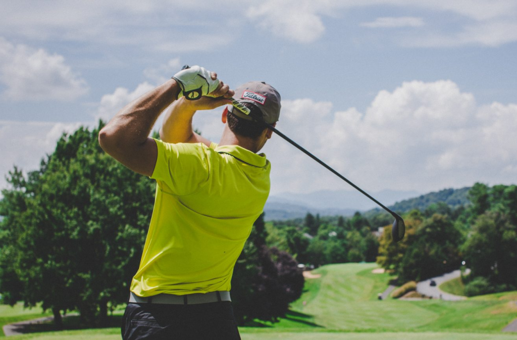 Research Suggests 8 Major Health Benefits of Playing Golf